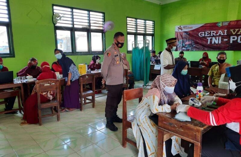 Program Percepatan Vaksinasi Poliklinik Polres Bersama Dengan Dinkes Lampung Tengah Laksanakan Vaksinasi Di Pondok Pesantren Darusy Syafa'ah Kota Gajah Lampung Tengah